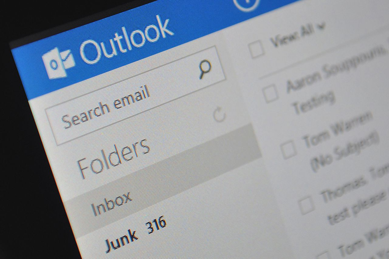 Microsoft's Outlook now lets you attach Google Drive files and Facebook photos