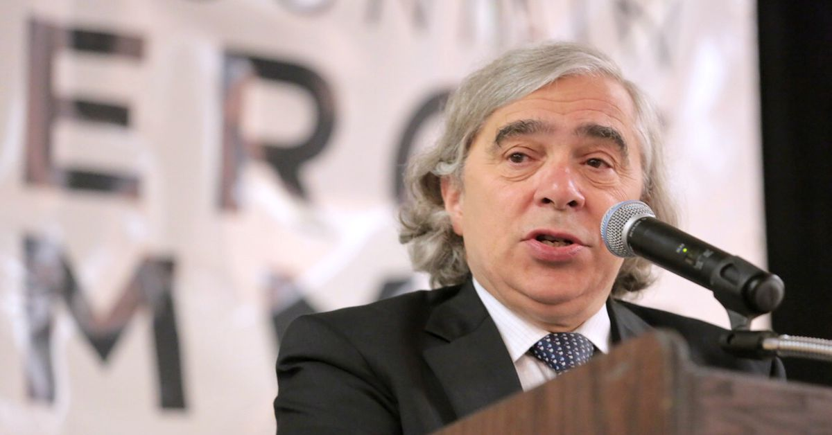 US secretary of energy: to stop nuclear tests abroad, the US should ban them at home