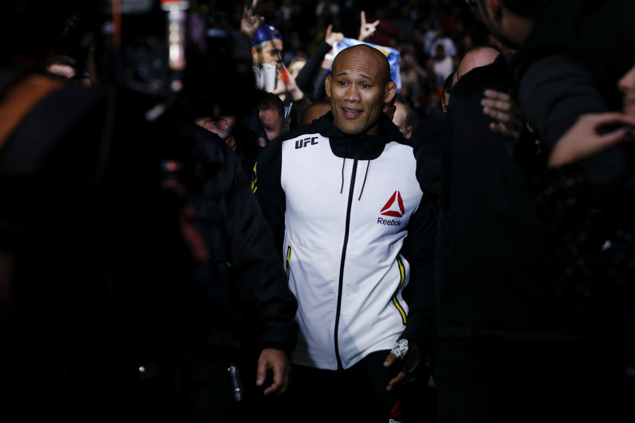 'Jacare' Souza not an option for Luke Rockhold at UFC 199