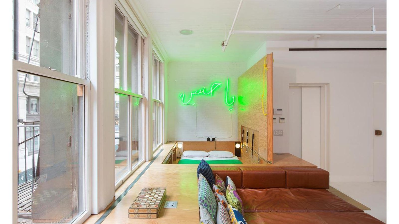 Minimalist tribeca loft with 39 japanese inspired 39 design for Tribeca loft for sale