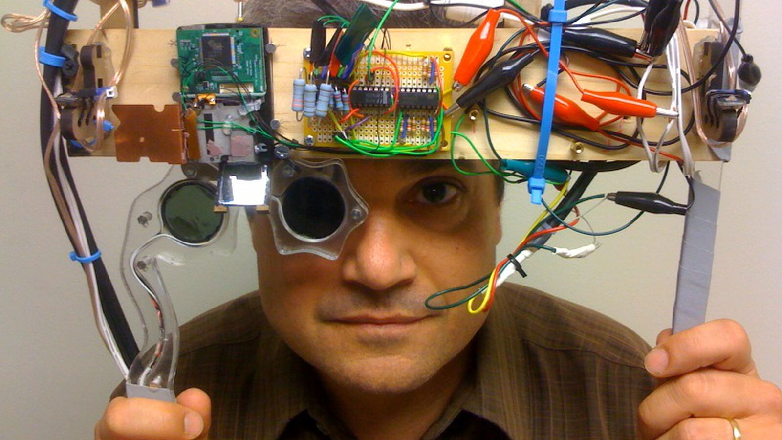 Palmer Luckey's mentor, VR pioneer moves to Microsoft