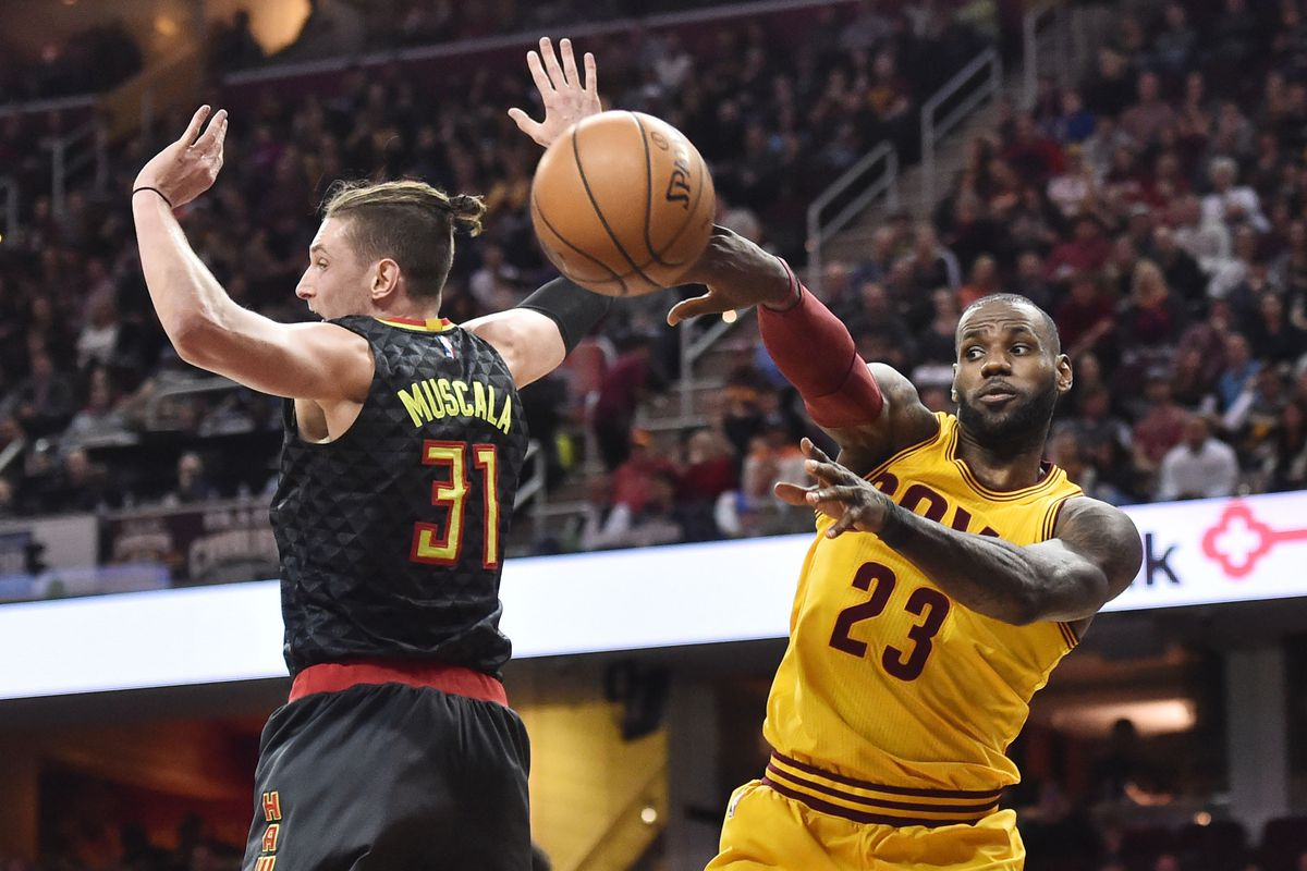National Basketball Association roundup: Cavaliers collapse in fourth quarter against Hawks