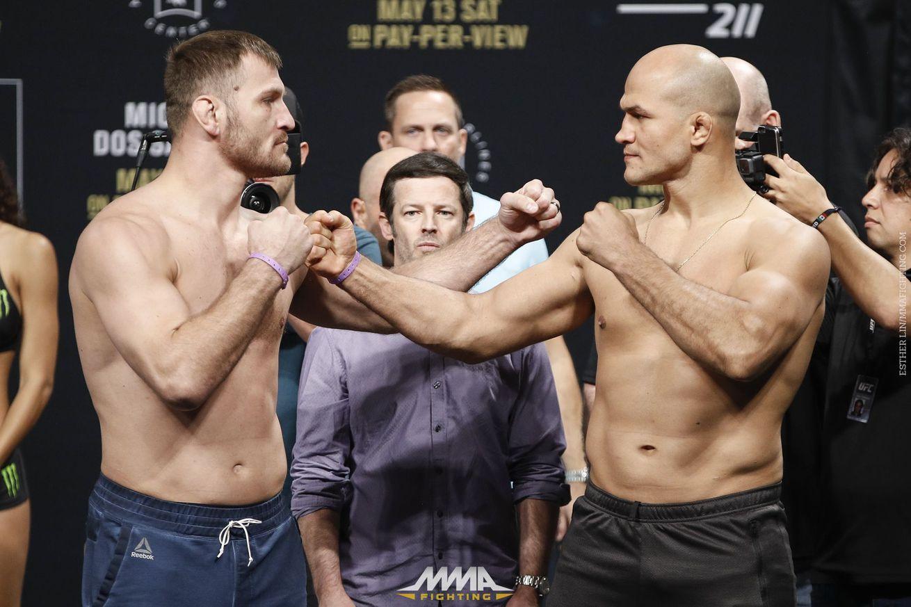 community news, UFC 211 Results: Miocic vs. dos Santos 2