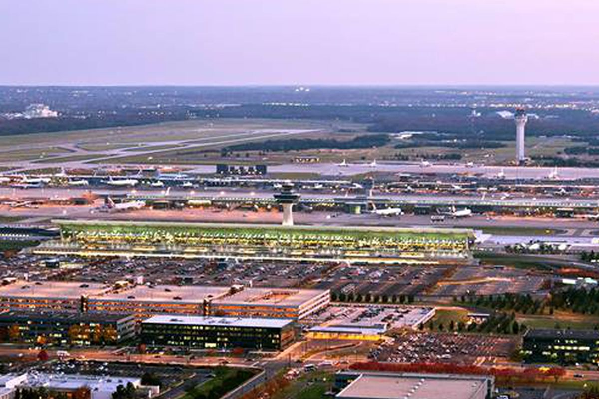 how to get from dulles airport to washington dc
