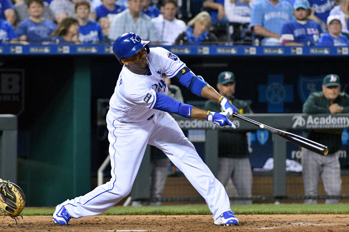 Escobar drives in game-winner as Royals complete sweep