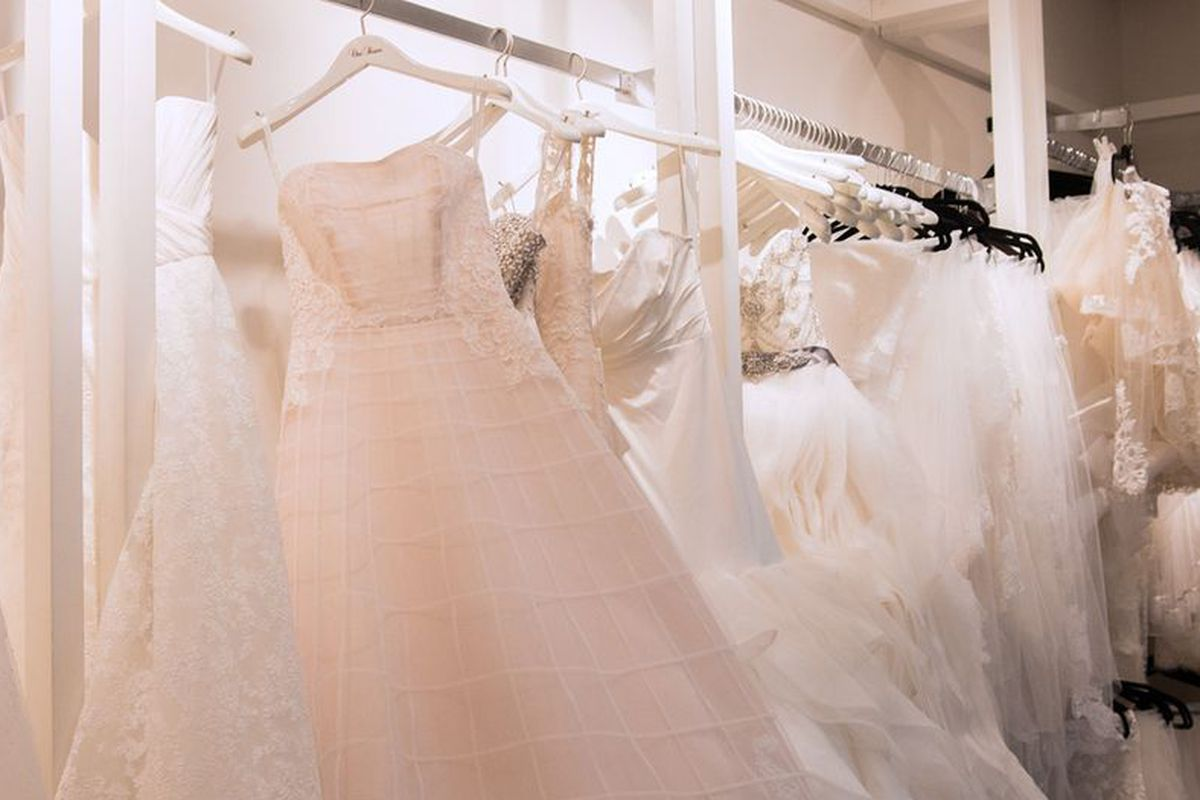 Wedding Table Rent Wedding Dress what its really like to rent your wedding dress racked love weddings follow our pinterest board