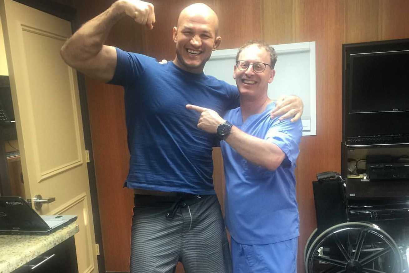 Pic: Surgically repaired Junior dos Santos shows off shredded guns, cleared to return to training