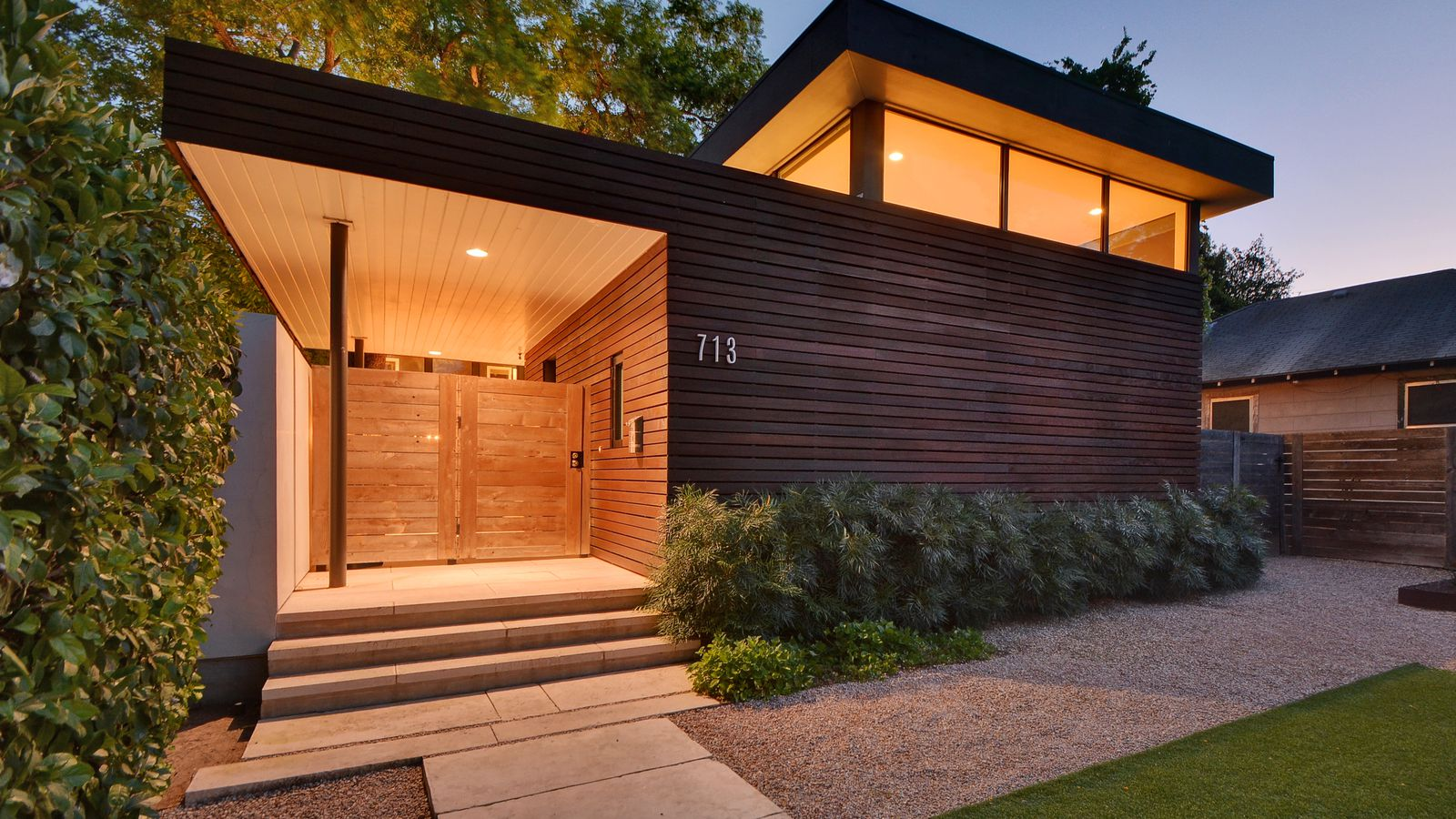 Striking Bouldin Contemporary Asks Curbed Austin