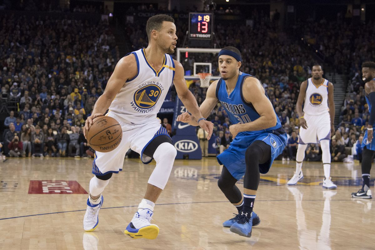 Curry, Warriors stretch streak to five with rout of lowly Dallas Mavericks