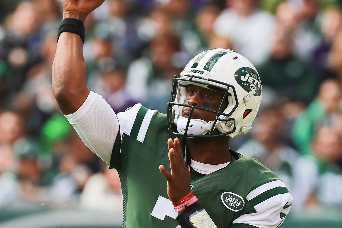 Geno Smith isn't giving up on a starting job