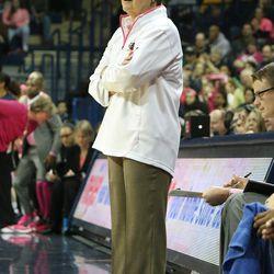 Central Coach Sue Guevara looking on.<br>