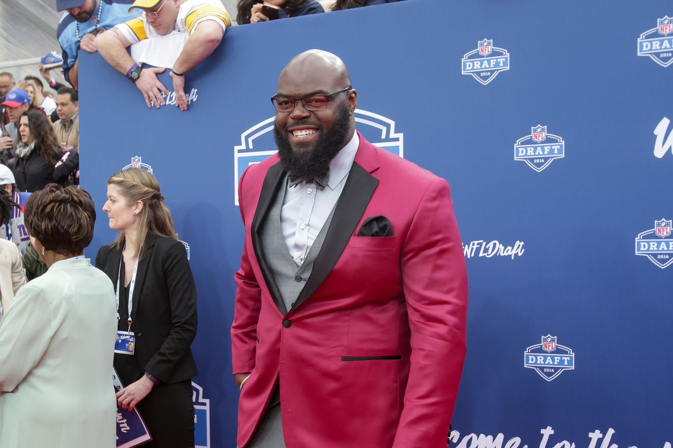 Jerseys NFL Online - A'Shawn Robinson signs rookie contract with the Detroit Lions ...