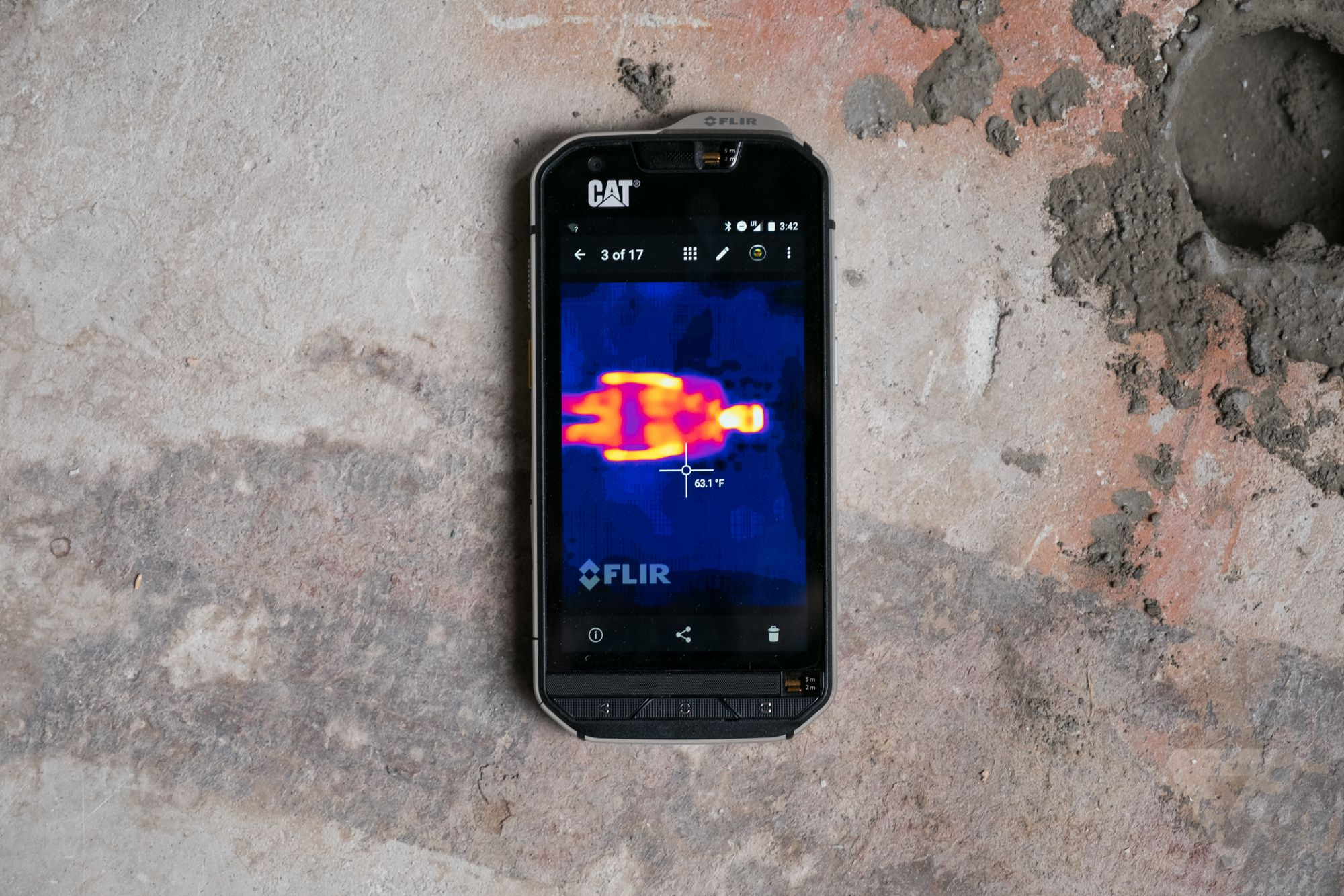 Cat S60 review: a rugged phone that can see in the dark ...