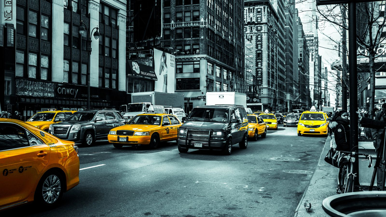 Uber Is Driving Down Value Of Nyc S Yellow Cab Medallions