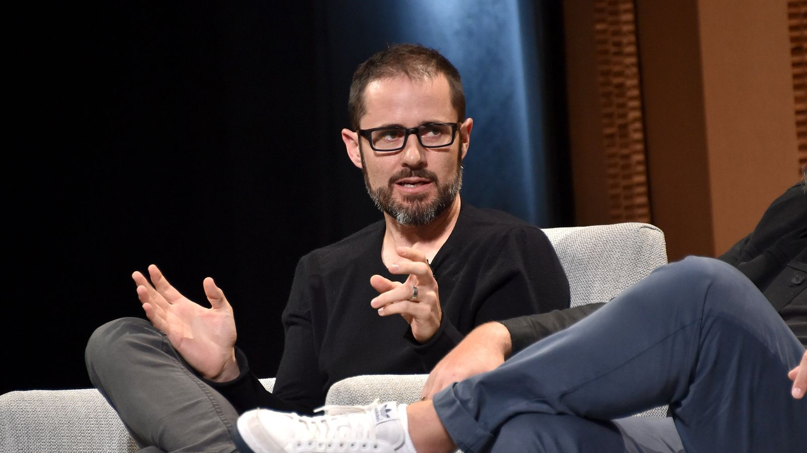 Medium says it can't make money selling ads so it's laying off a third of its staff