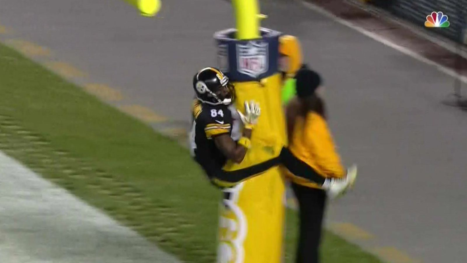 Antonio Brown Celebrated A Touchdown By Jumping On The