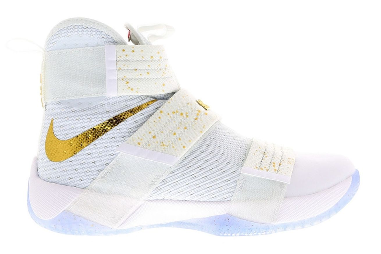 "Cavs Kicks: Nike LeBron Soldier 10 ""Gold Swoosh"" - Fear ..."