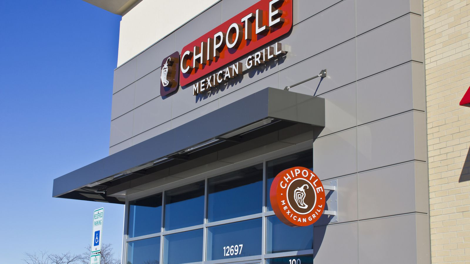 Teen Chipotle Worker Wins $7.65M in Sexual Harassment Suit - Eater