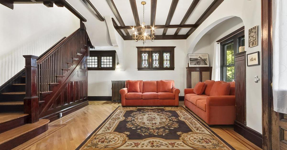 Splendid 112 year old victorian in fiske terrace asks 2 for Living room brooklyn 86 st