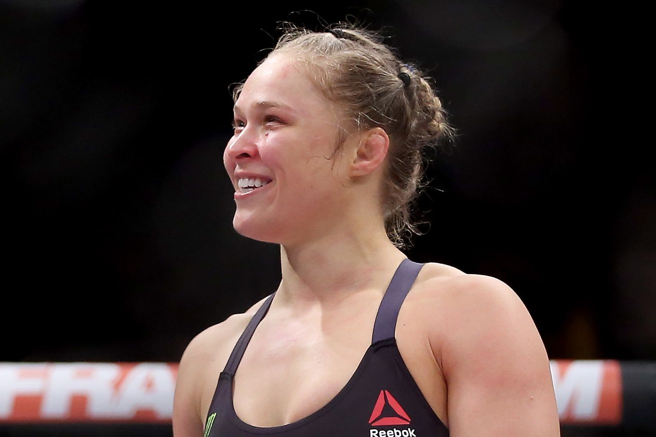 Floyd Mayweather: Ronda Rousey is still undefeated ... in 2017