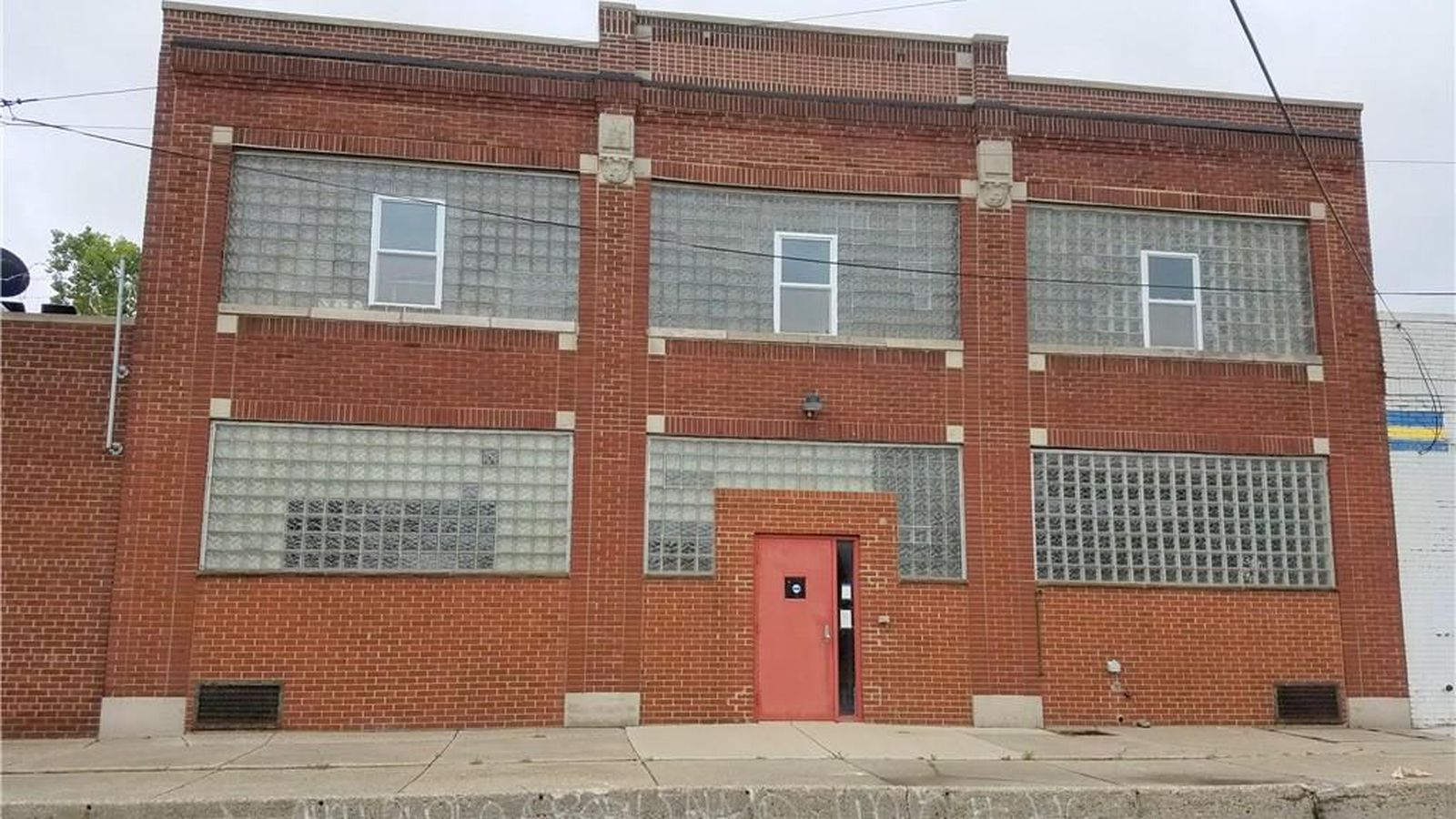For 2 200 A Month A Two Bedroom Corktown Loft Near Michigan Central Station Curbed Detroit