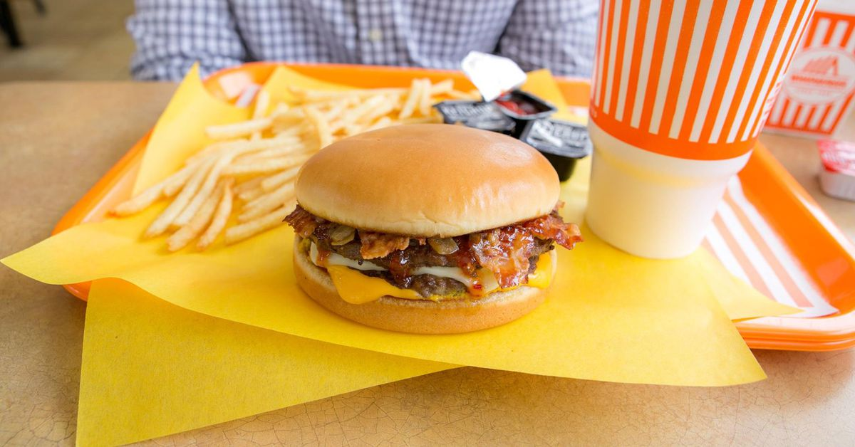 in n out burguer In-n-out burger was founded in 1948 in baldwin park, california the first whataburger store opened in corpus christi, texas, in 1950 score: in-n-out 1, whataburger 0.