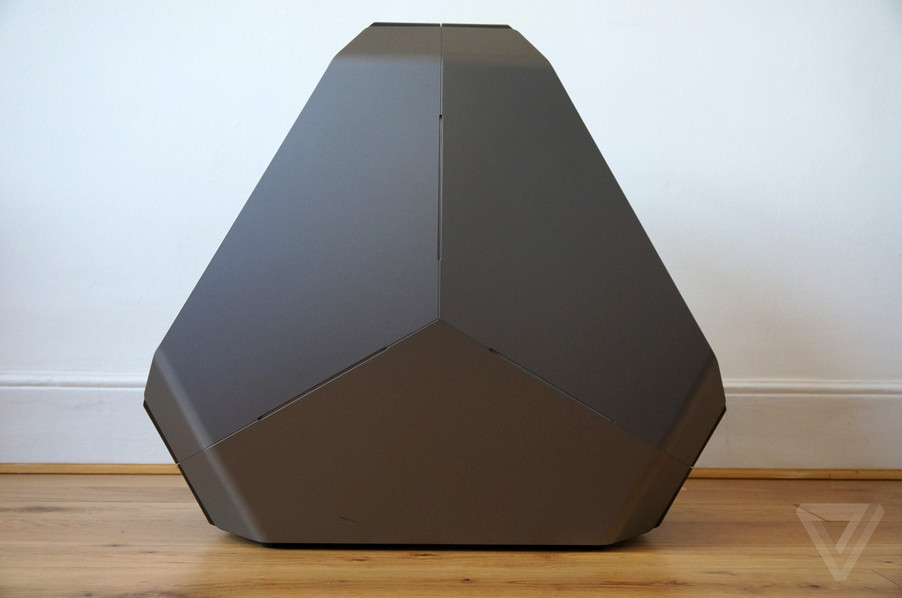 The Alienware Area-51 is a spaceship disguised as a gaming PC