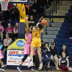 Tinara Moore putting up two of her 33 points.