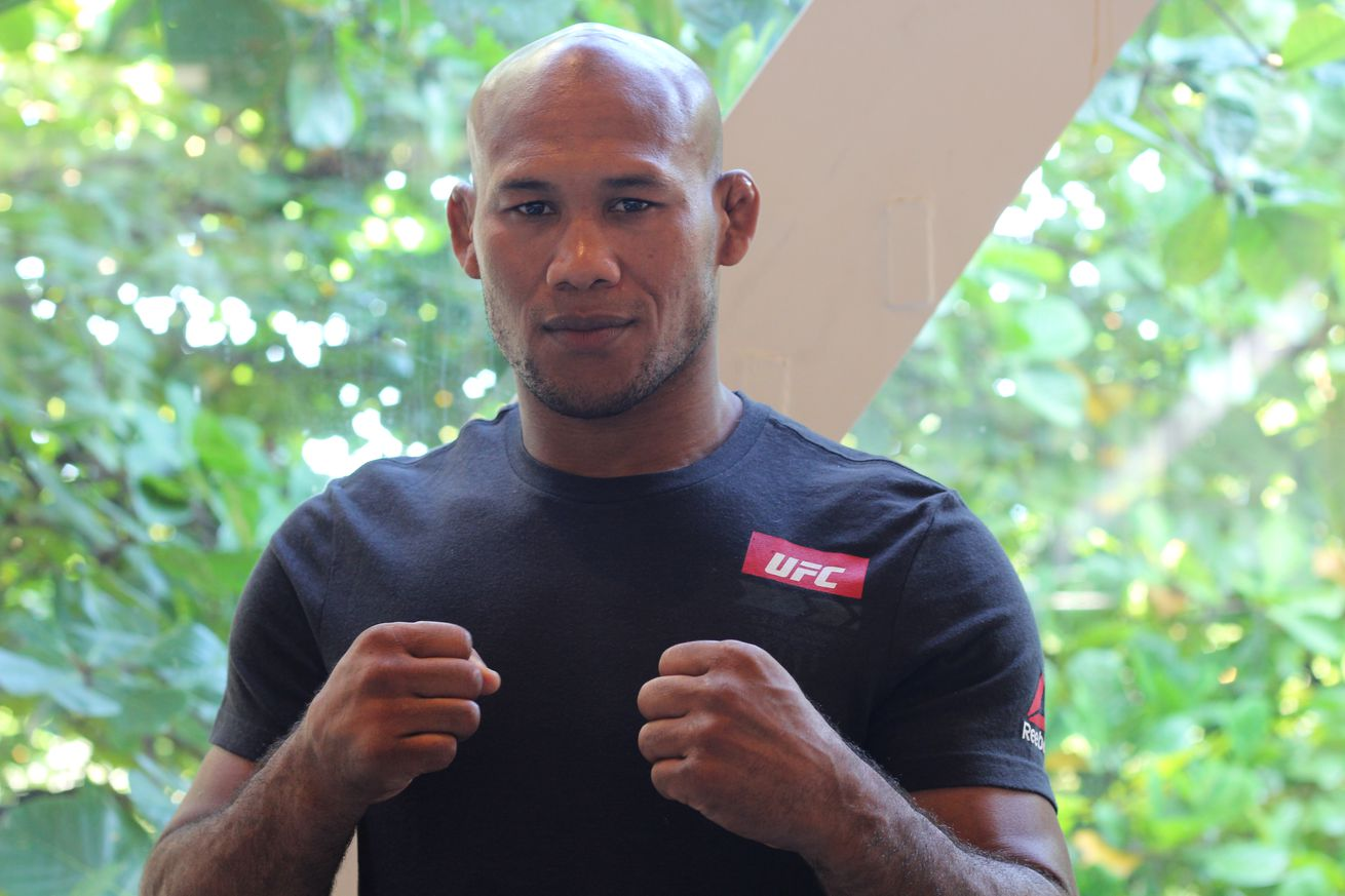 'Jacare Souza explains reasoning behind accepting fight with Robert Whittaker