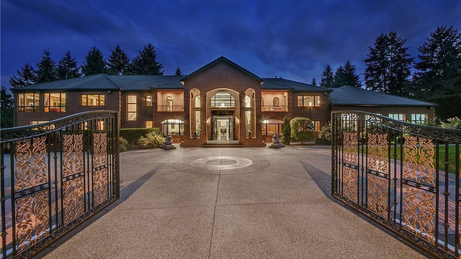16 5m Bellevue Mansion The Height Of Puget Sound Luxury