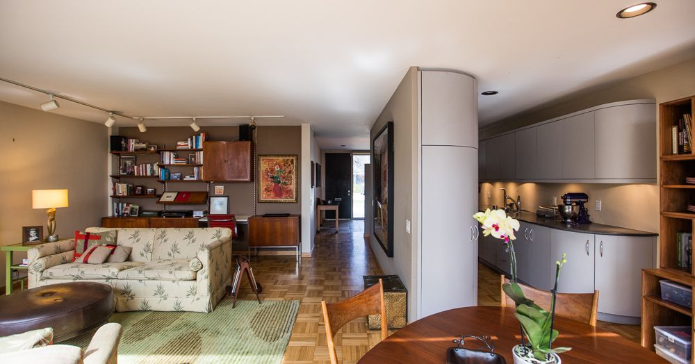 Mies Van Der Rohe Courtyard Unit Hits Market For 599k