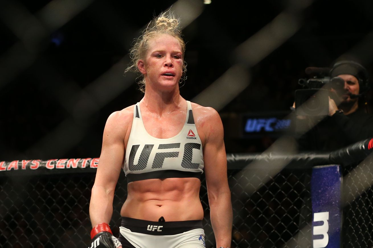community news, Holly Holm calls for Germaine de Randamie championship rematch after coming up short at UFC 208