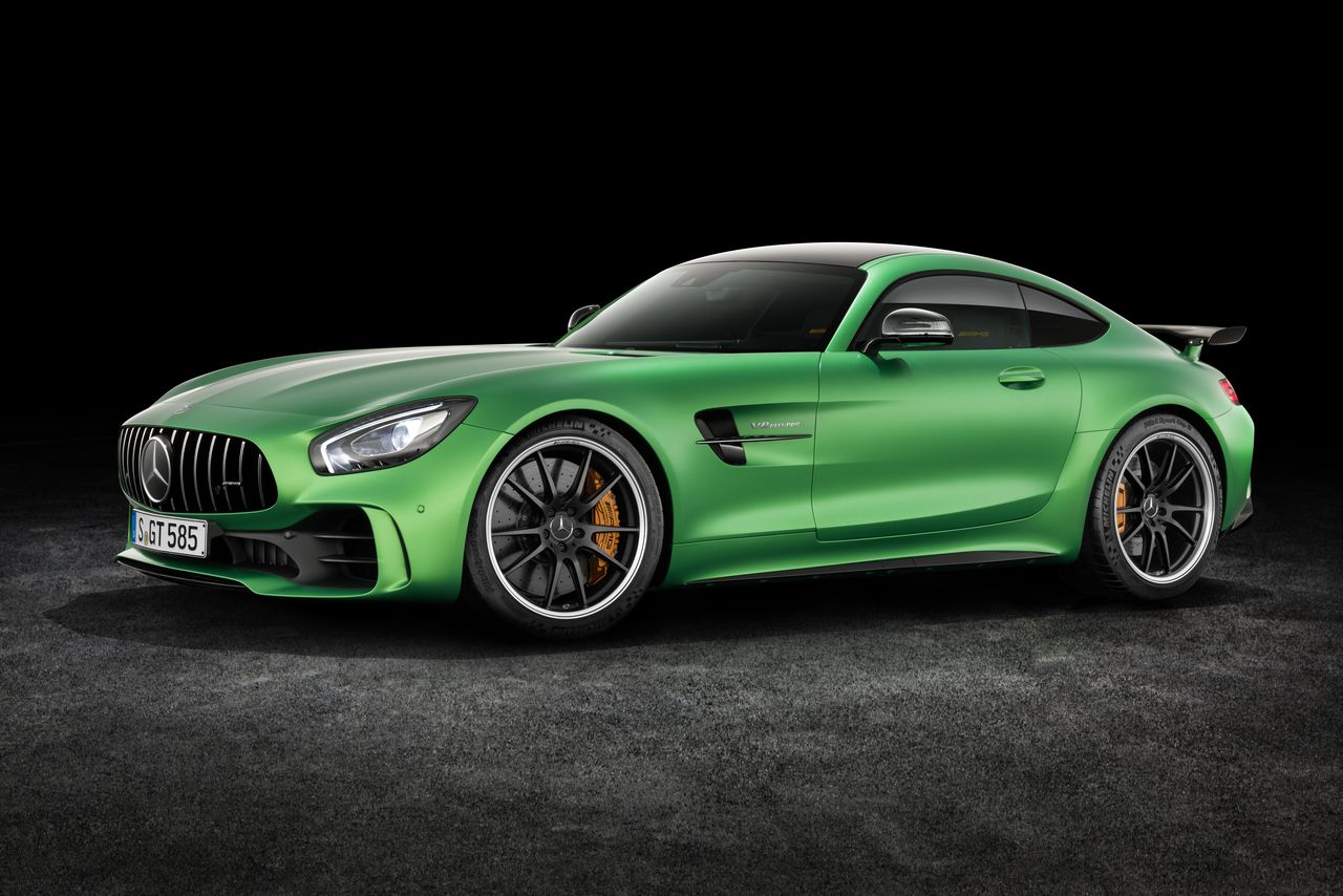 the new amg gt r is mercedes benz 39 s most hardcore sports