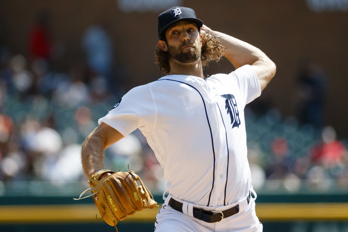 New Guys Help Lead Tigers Past Red Sox on Opening Day