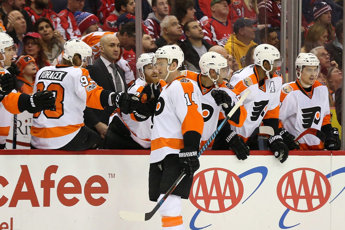 Flyers continue playoff push with win over Sabres