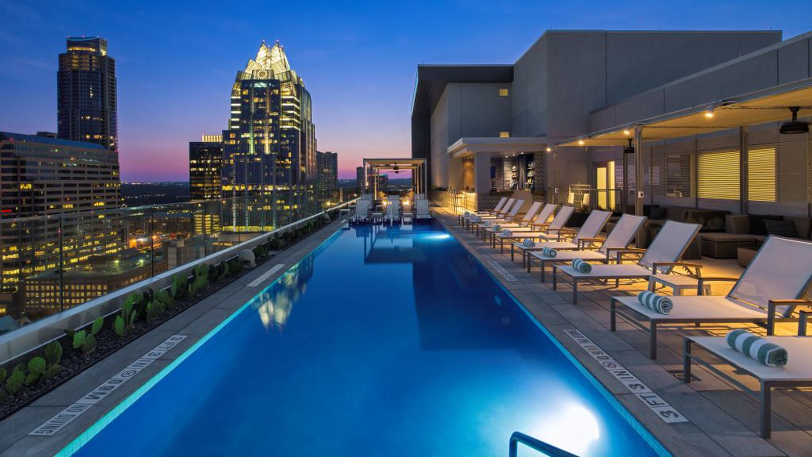 Westin Austin Downtown S Fancy Rooftop Pool Bar Is Now