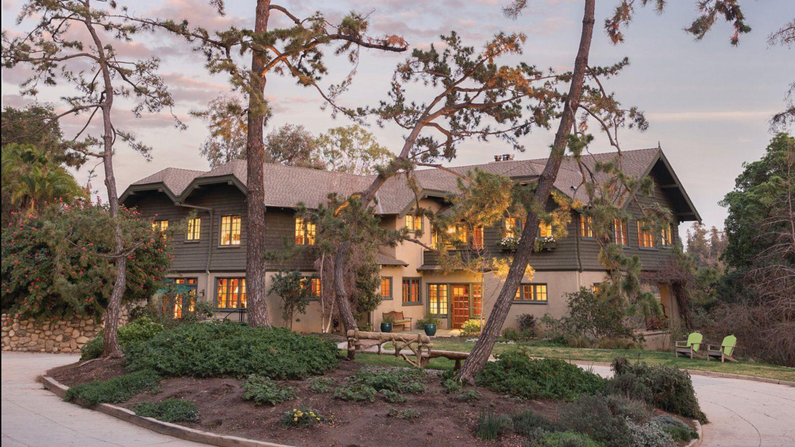 Pristine California Craftsman With Lap Pool Asks 5 5m