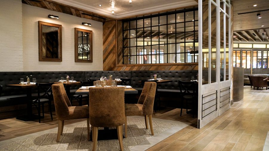 Bathe in the southern goodness at yardbird eater vegas for O bar private dining room