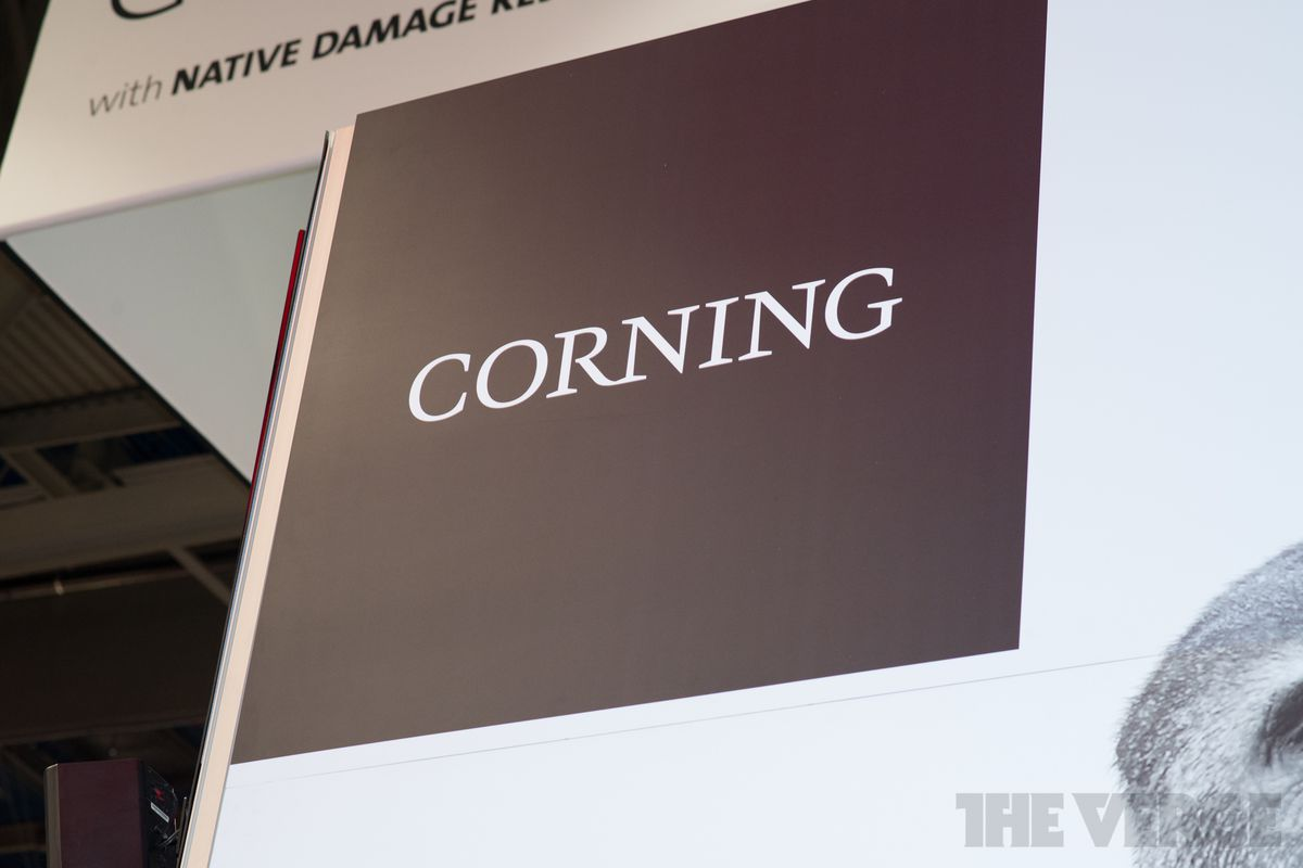 Apple offers $200 mn to Corning to boost innovation in manufacturing