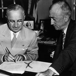 Truman Signs<br>8th August 1945: The 33rd American President Harry S Truman ratifies the United Nations charter.<br>