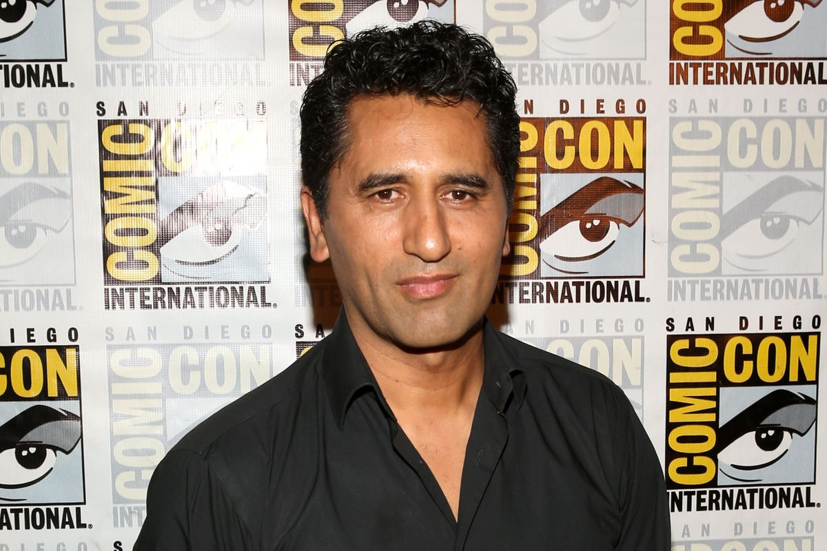 Cliff Curtis joins the Blue Man Group