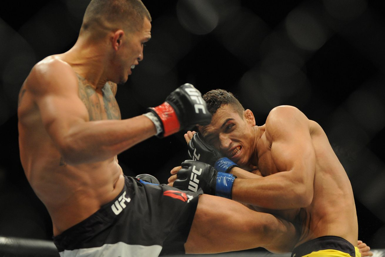 UFC on FOX 21 results from last night: Anthony Pettis vs Charles Oliveira fight review, analysis