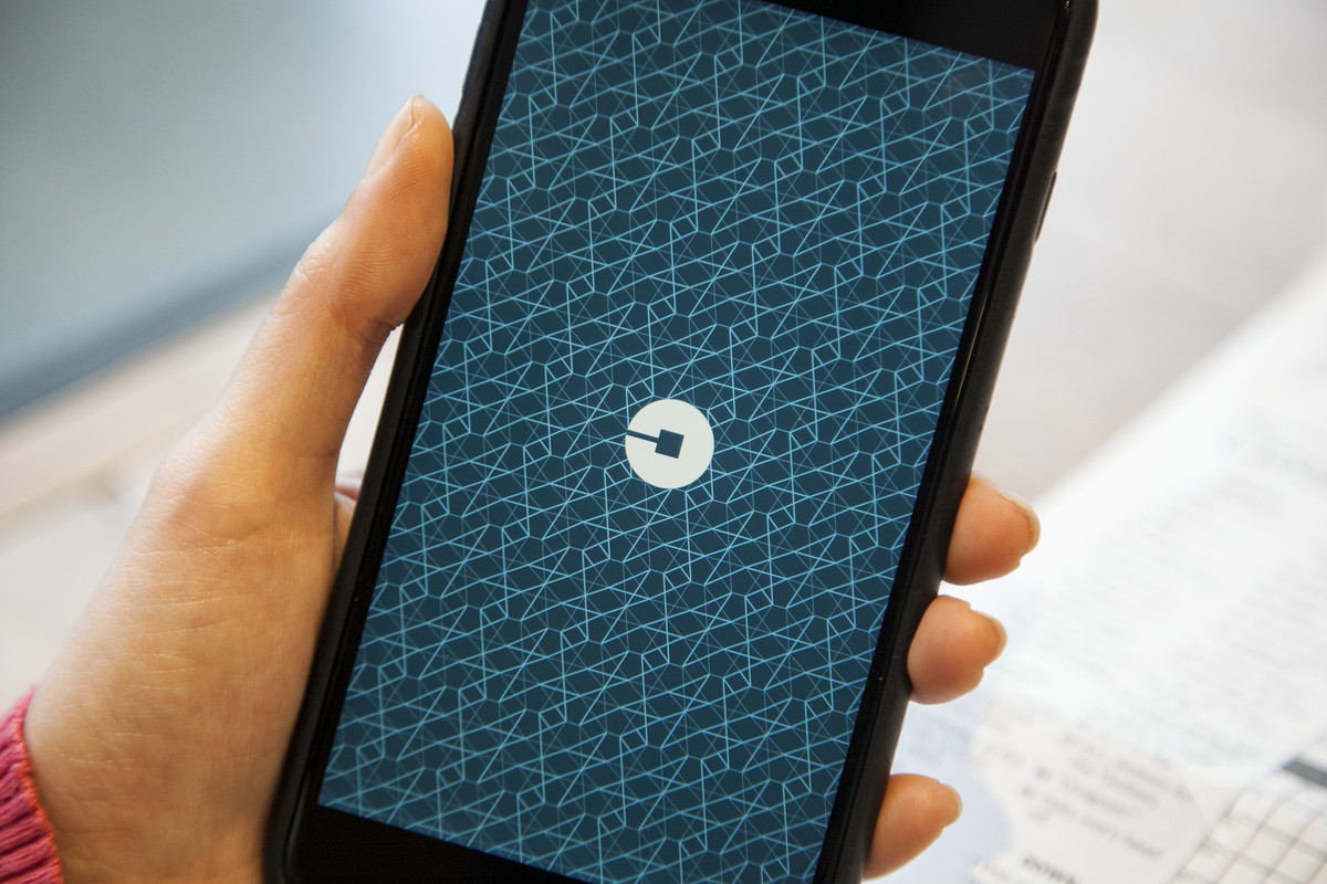 Thousands fail background checks for Uber, Lyft