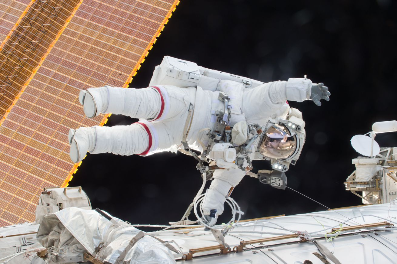 Watch two NASA astronauts complete the 200th spacewalk outside the ISS