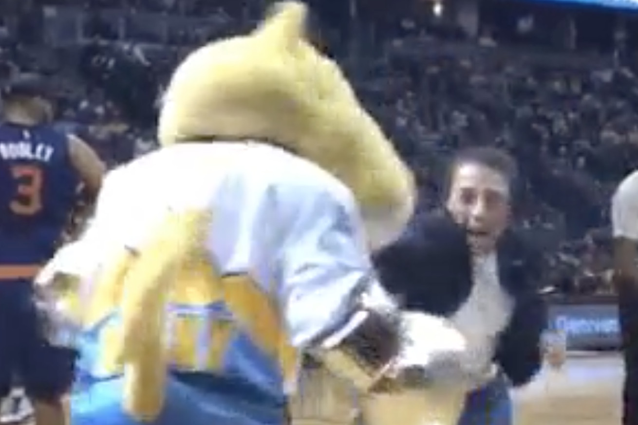 GIF: Joanna Jedrzejczyk lands one punch KO on Denver Nuggets 'super mascot'