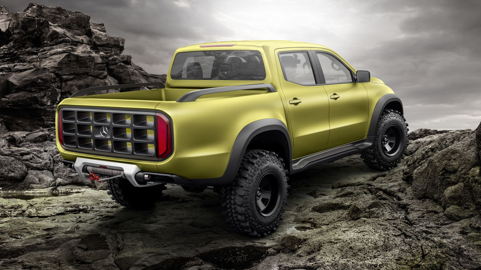 this is mercedes benz 39 s new premium pick up truck the verge