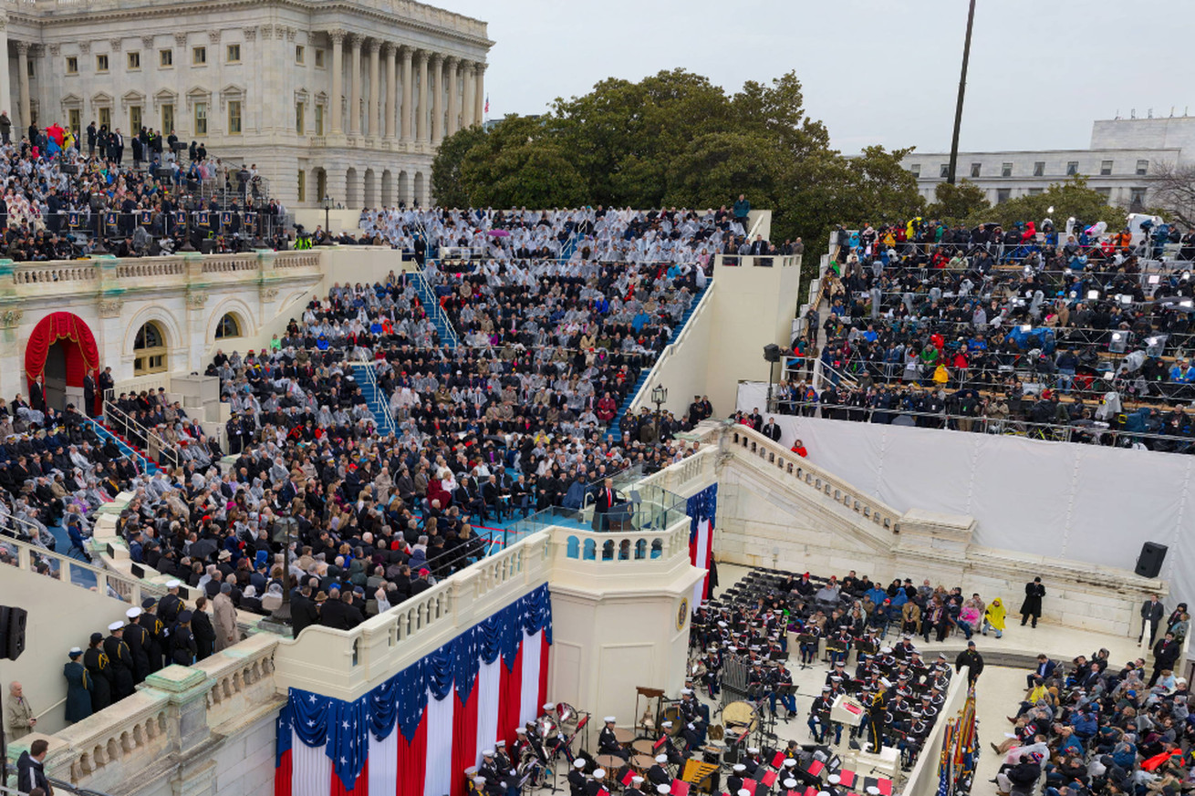 zoom in on the crowd in cnn s inauguration gigapixel portrait