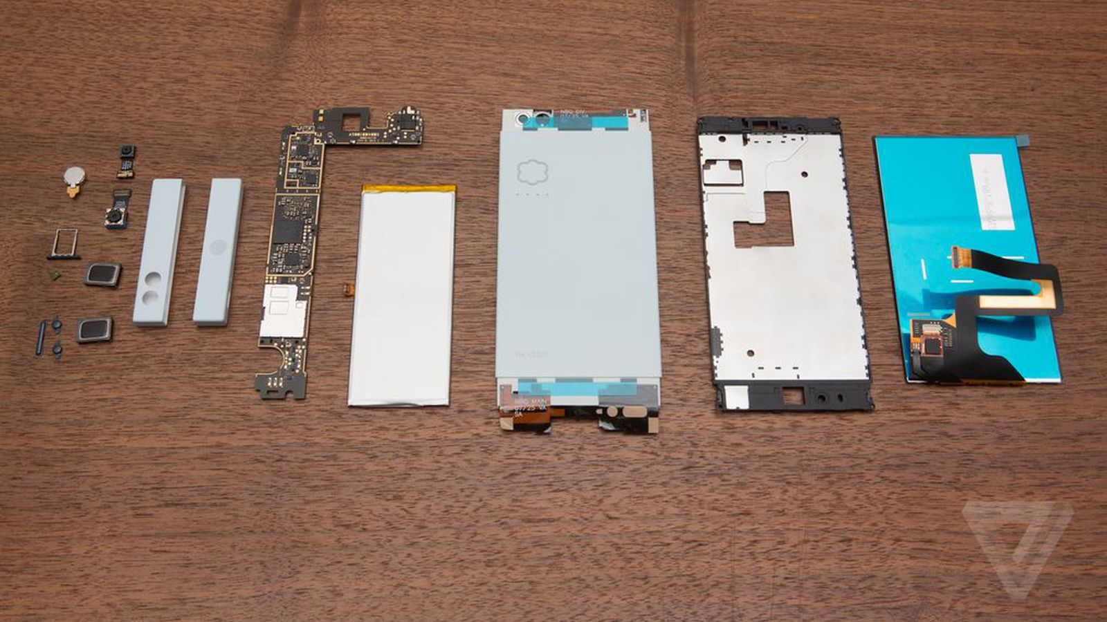 nextbit-robin-phone-2298.0.0.0.jpg (1600×900)