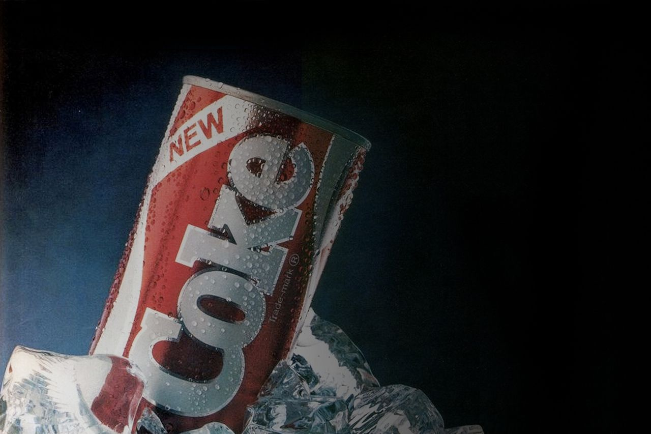the 1985 new coke fiasco Some of us older people may remember the new coke fiasco of april 23, 1985 prior to that date coca-cola's formula was different than coca-cola classic's formula basically coke tested a new formula and it tested better than both their current formula and pepsi.