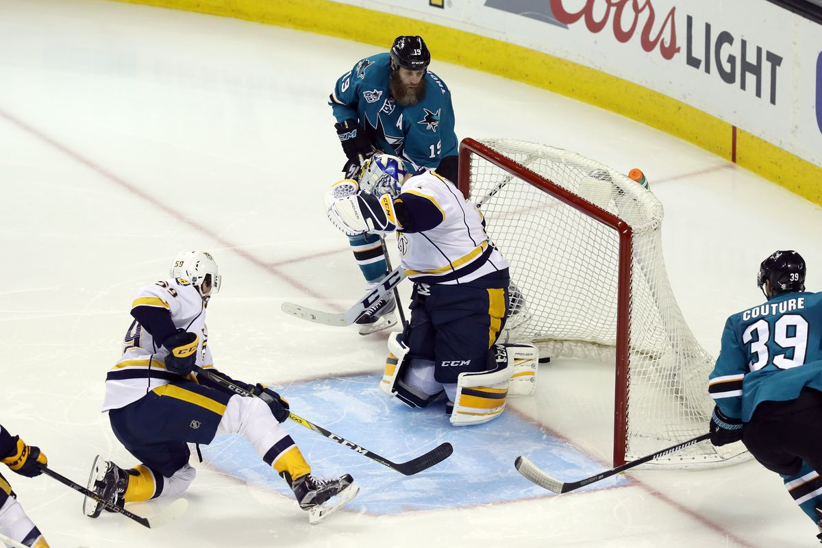 Predators snap skid with 3-1 win over Sharks